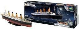 Revell of Germany 05498 1:600 RMS Titanic Ocean Liner Plasti