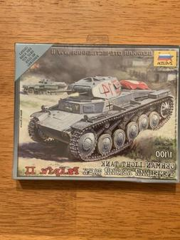 Zvezda 1/100 Model Kit #6102 Pz.Kpfw. II German Light Tank