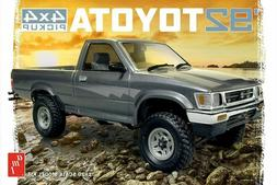 AMT 1/20 SCALE 1992 Toyota 4x4 Pick Up Plastic Model Kit # A