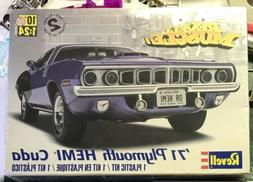 1:24 Revell 1971 Plymouth Hemi Cuda Plastic Model Kit Sealed