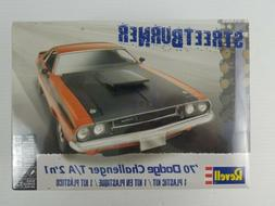 1:24 Dodge Challenger 2 'n 1