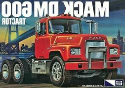 1:25 MPC MACK Heavy Duty DM600 Semi Truck Plastic Model Kit