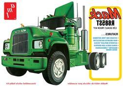 1 25 scale mack r685st semi tractor