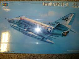 Trumpeter 1/32 A-4E Sky Hawk Kit Sealed 02266