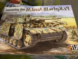 1/35 TAKOM 'BLITZ' MODEL KIT #8002 Panzer Pz.Kpfw.III Ausf.M