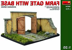 1:35 Farm Gate With Base Model