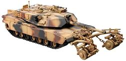 Trumpeter 1/35 M1A1/A2 Tank, 5-in-1