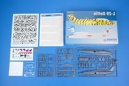 1 48 l 29 delfin plastic model