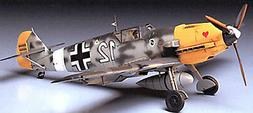 Tamiya 1/48 Messerschmitt Bf109E-4/7 Tropical 61063