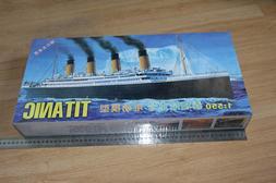 1:550 RMS Titanic <font><b>Model</b></font> Building <font><