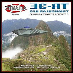 NEW Atlantis Models 1/72 TR-3 Triangular UFO AMC-1002