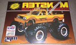 MPC 1:25 1975 Datsun Scavenger Monster Truck Plastic Model K
