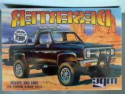 MPC 1:25 1984 GMC Pickup White Plastic Model Kit MPC847