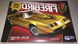 MPC 1/16 1979 Pontiac Firebird Plastic Model Kit MPC862