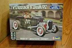 Revell 1929 Ford Model A Roadster 2in1 1:25 scale model car