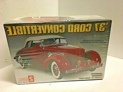 Lindberg 1937 Cord Convertible Plastic Model Car Kit 1/25 Sc