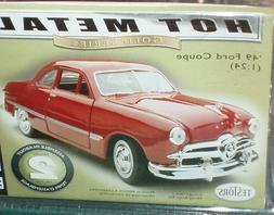 TESTORS 1949 FORD COUPE DIECAST ASSEMBLY MODEL KIT 1/24 SKIL
