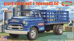 Atlantis 1955 Chevrolet 2 ton Stake Truck 1:48 scale model c