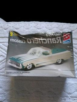 1961 Ford Ranchero Custom: Skill Level 2 Plastic 1:25 Scale