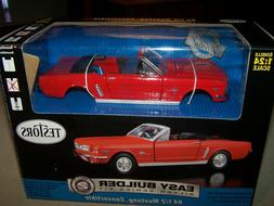 TESTORS 1964 1/2 FORD MUSTANG CONVERTIBLE MODEL KIT
