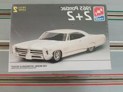 1965 pontiac 2 2 model car kit