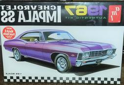 AMT 1967 Chevrolet Impala SS Model 1/25 Scale Model Kit AMT9