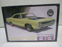 AMT 1968 Plymouth Road Runner 1/25