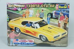 Revell 1968 Pontiac GTO Street Machine 1/24 Model Car Kit