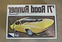 MPC 1971 Road Runner 1:25 Scale Model Kit 1-7125-200 Roadrun