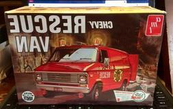 AMT 1975 Chevy Rescue Van  - Plastic Model Car Truck Vehicle