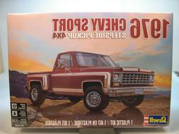 Revell 1976 Chevy Sport Stepside Pickup 4x4 1:24 scale model