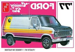 AMT 1977 Ford Cruising Van 1/25 Model Kit AMT1108-NEW