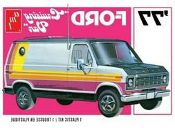 AMT 1977 Ford Cruising Van 1/25 Plastic Model Kit Brand New