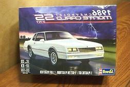 Revell 1986 Chevrolet Monte Carlo SS 2N1 1:24 model car kit