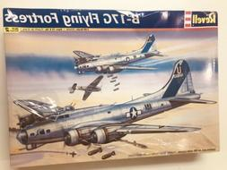 2004 Revell B- 17G Flying Fortress Aircraft model 85-5600 sc