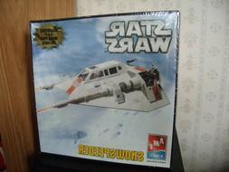2005 STAR WARS Snowspeeder Model Kit AMT/ERTL Lucasfilm Movi