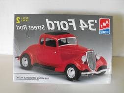 #6686 AMT/Ertl '34 Ford Street Rod 1/25th Scale Plastic Mode