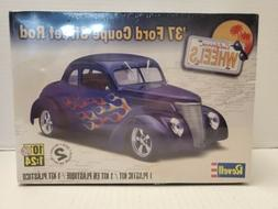 Revell '37 Ford Coupe Street Rod 1:24 Scale  85-4097 **FACTO