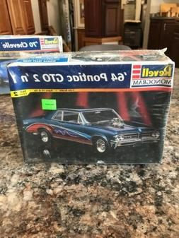 Revell 64 Pontiac GTO 1:24  2 n 1 Model Car Kit # 85-2461 -