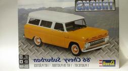 Revell '66 Chevy Suburban 1/25 plastic model car truck kit n