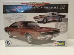 REVELL '68 DODGE CHARGER R/T 2'n 1 MODEL KIT 1/25 SCALE **FA