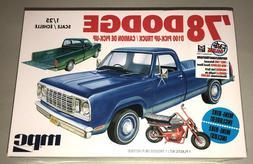 MPC '78 DODGE D100 PICK-UP TRUCK w/ MINI-BIKE 1/25 SCALE MOD