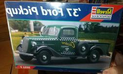 REVELL 85-7327 1937 FORD PICKUP TRUCK 1/25 Model Car Mountai