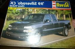 REVELL 85-7646 1999 CHEVY SILVERADO PICKUP TRUCK 1/25 Model