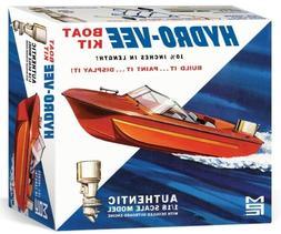 MPC 883  HYDRO-VEE Speed Boat W/ Trailer and Outboard plasti