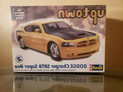 Revell 1:25 Dodge Charger SRT8 Super Bee Custom