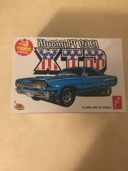 AMT DIRTY DONNY'S 1969 PLYMOUTH GTX 1/25 SCALE MODEL KIT Sea
