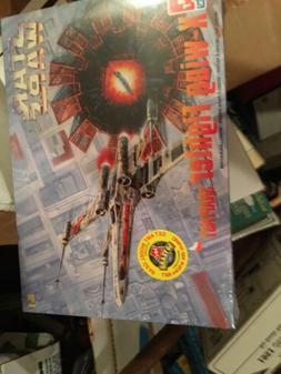 Amt Ertl Star Wars  X-wing Fighter Model Kit Sealed In Box 1
