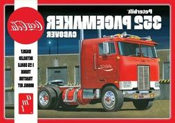 Coca-Cola - Peterbilt 352 Pacemaker Cabover Model Kit 1/25 M