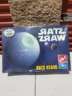 AMT Death Star Model Kit# 38303-1HD Star Wars 2005 SEALED